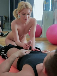 Teen forgets about her fitball training coupled with fucks with her transient